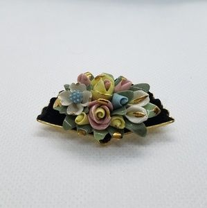 Capodimonte Brooch Rose's, Lilies and flowers fan